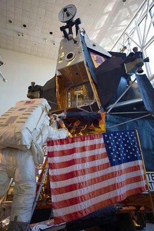 Museo Nacional del Aire y el Espacio: LEM