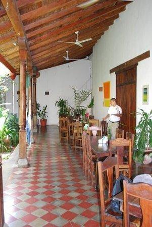 The Garden Cafe : around outside patio