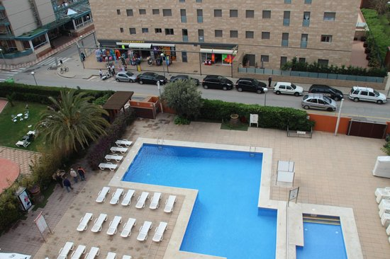 MedPlaya Hotel Santa Monica: Pool by day