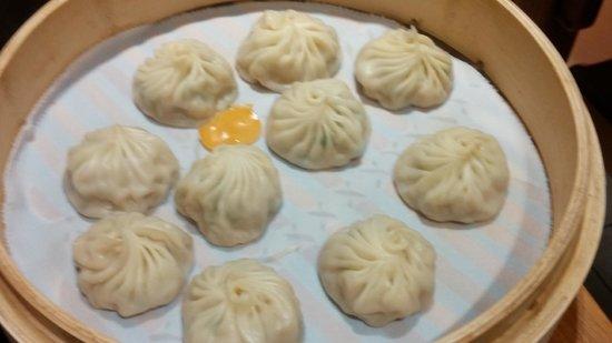 Din Tai Fung (Paragon Branch): Steamed Chicken Dumplings ;-)