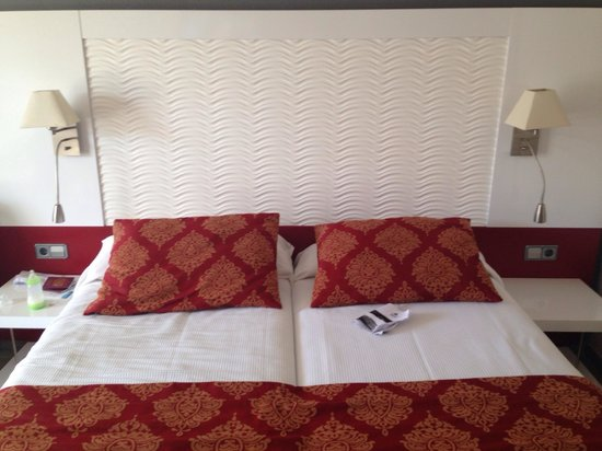 Aparthotel Rosa del Mar: Bed in room (145) 2xSingles  very comfy