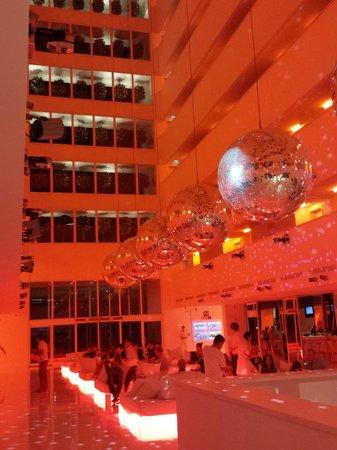 Hotel Su : Disco Lobby