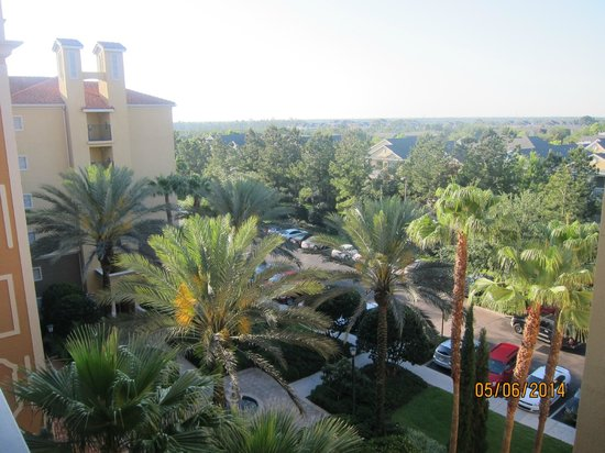 Hilton Grand Vacations at Tuscany Village: view of the grounds