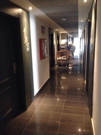 Aparthotel Rosa del Mar: Hallway on ground floor