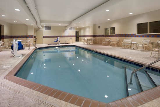 Hampton Inn & Suites Minneapolis - St. Paul Airport: Pool