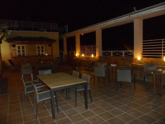 NH Valencia Center: Terrazza