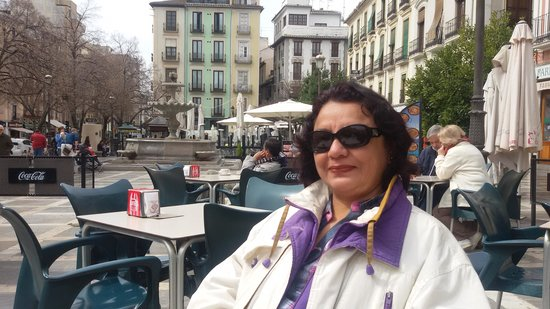 Plaza Nueva : Coffee at the plaza