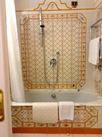 Grand Hotel Royal: bagno