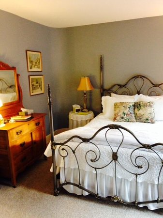 Inn at Pleasant Lake: Room 5 bedroom