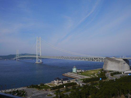 Maiko Villa Kobe: 明石大橋の景色は夜も昼も最高です