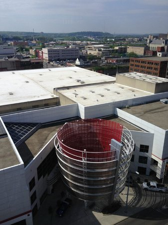 Crowne Plaza Dayton: View of Convention Center from top floor restaurant