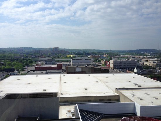 Crowne Plaza Dayton: Yet another view from the top floor restaurant