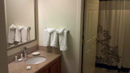 Residence Inn Philadelphia Conshohocken: Conshohocken_RI_Renovated_5th_Floor_Room