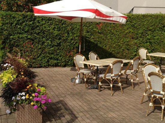Ibis Budget Strasbourg Sud Illkirch Geispolsheim : Terrasse