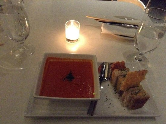 YOTEL New York at Times Square West: Restaurant - grilled cheese & tomato soup