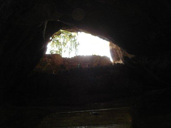 Parque Nacional Grutas de Cacahuamilpa: Cavern's upper hole - April 1st 2011.