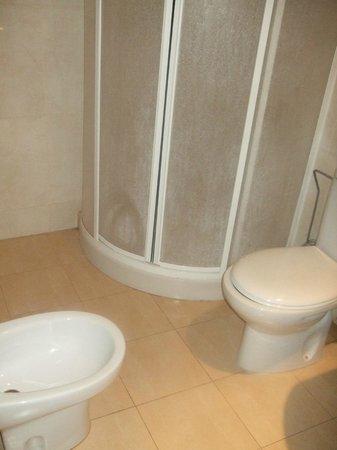 Ryad Mogador Menzah: Salle de bain.