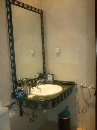 Ryad Mogador Menzah : Salle de bain.