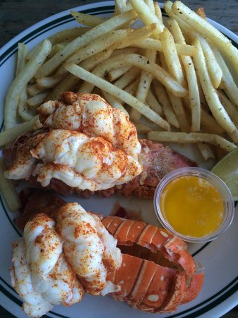 Cleveland's Beach Club: Lobster & Fries