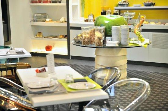 Mercure Strasbourg Centre Petite France : Salle petit-déjeuner