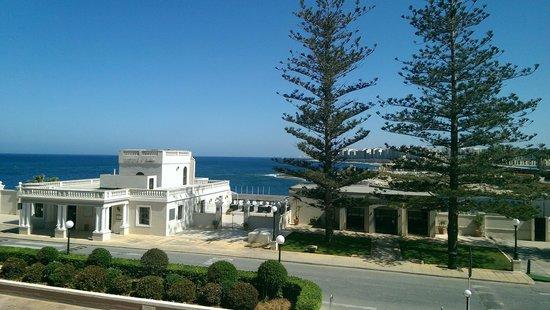 The Westin Dragonara Resort, Malta: вид на море из номера гостиницы