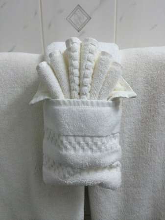The Frederick Hotel : Snow-white towels
