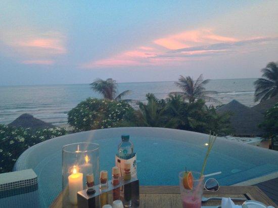 Aleenta Hua Hin Resort & Spa: sunset