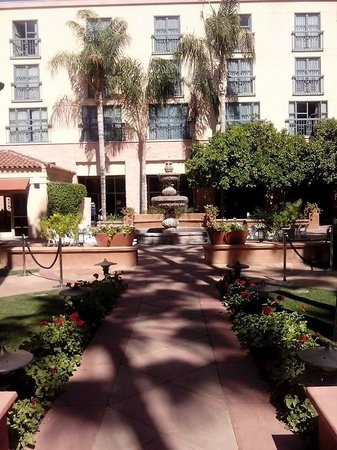 Tempe Mission Palms Hotel and Conference Center: Beautiful