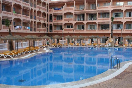 HOTEL BAHIA TROPICAL: Piscine chambres
