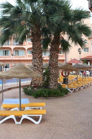 HOTEL BAHIA TROPICAL: Piscine terrasse