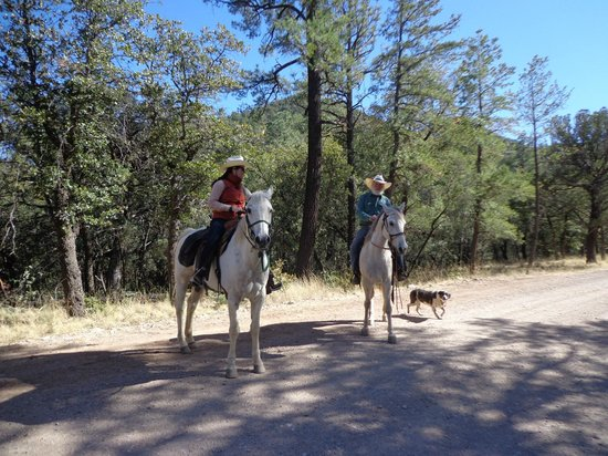 Hideout Ranch: Horseback riding with Craig