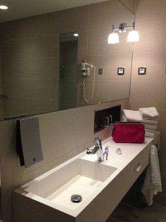Clarion Hotel Arlanda Airport: bathroom