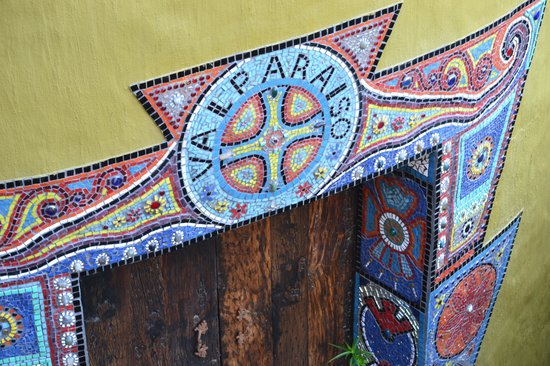 Valparaiso Guesthouse: lovely mosaic work