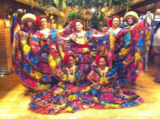 Hotel Vista Inn Premium: Show del restaurante LAS PICHANCHAS en Tuxtla Gutiérrez, no se lo pueden perder!