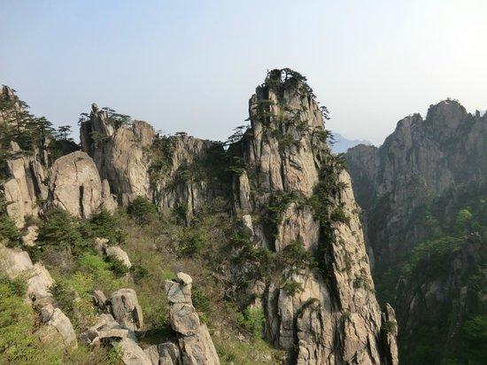 Mt. Huangshan (Yellow Mountain): すごい眺め