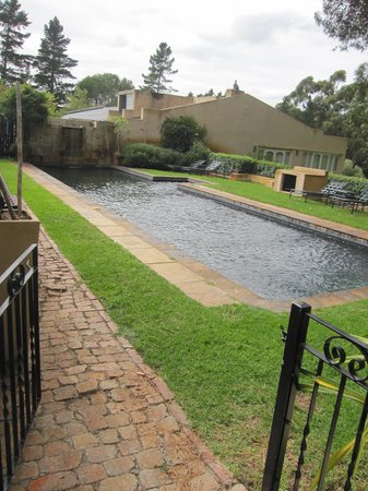Blue Gum Country Estate: Pool area