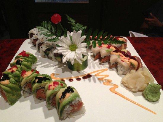 Sake Asian Fusion: Godziila roll .taco roll