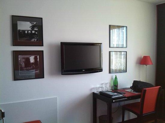 Angelo Hotel Pilsen: Fernsehecke :-)