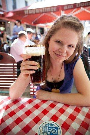 Gaststatte Nurnberger Bratwurst Glockl am Dom : excellent beer
