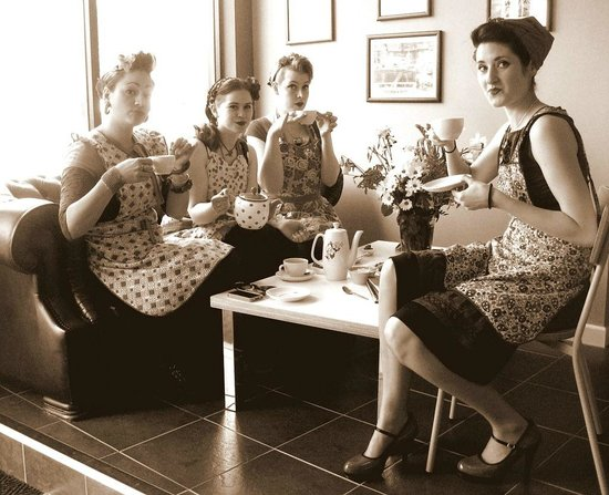 Old Cinema Launderette : Lovely cup of Tea Ladies !