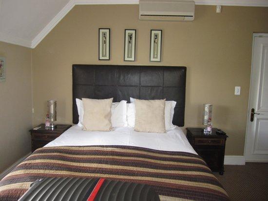 Plumwood Inn: our bedroom,