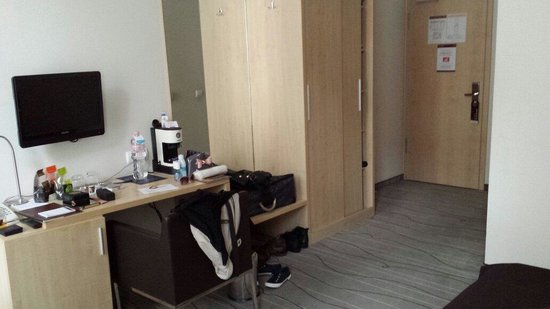 Promenade City Hotel: Bedroom