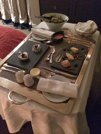 Auberge Saint-Antoine : Room Service