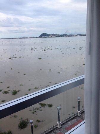 Wyndham Guayaquil: El Rio Guayas desde mi habitación