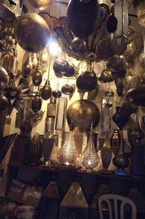 Riad Nashira & Spa: Lighting shop