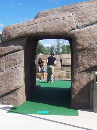 Eagle Falls Adventure Golf and Laser Tag : Putt through Eagle Mountain Cave