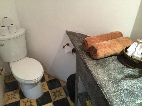 Rambutan Hotel Siem Reap: Clean bathroom