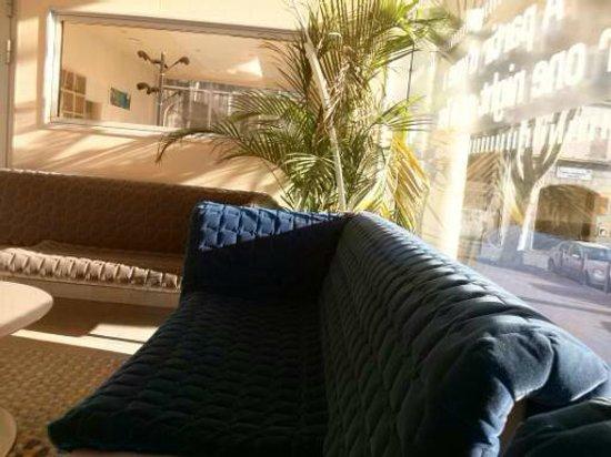 Residhome Appart Hotel Saint-Charles: Tire conclusões sobre os quartos  pela recepção. Clean e ao mesmo tempo acontechegante