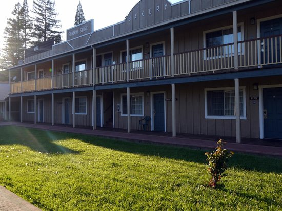 The Old West Inn: The hotel and courtyard