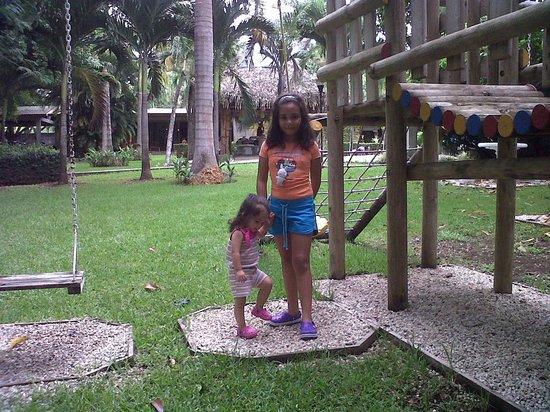 Hotel Rio Tempisque : Mis hijas muy entretenidas.